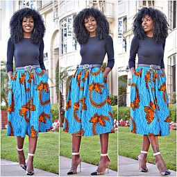 Folaye in Long Sleeve Tee printed Midi Skirt