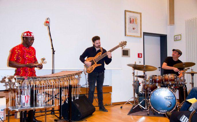 Aly Keita Trio